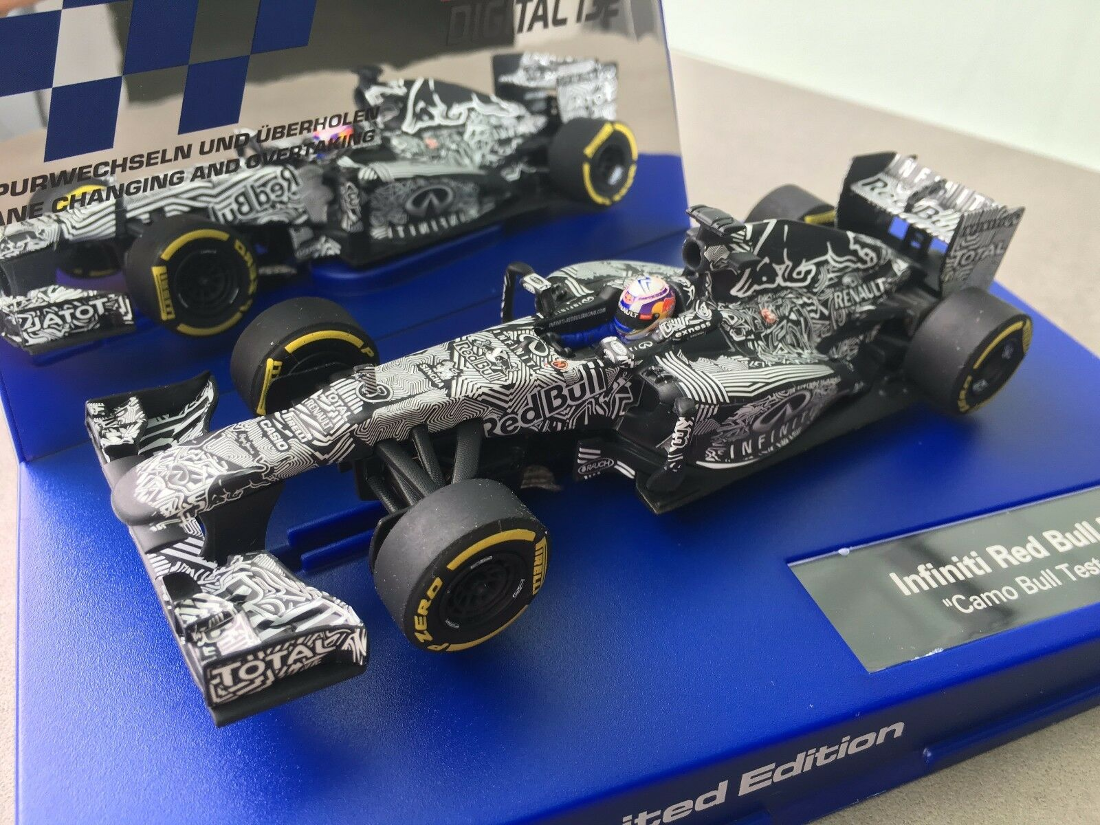 Carrera Digital 132 30729 Limited Edition 2015 Infinity Red Bull Racing Nip