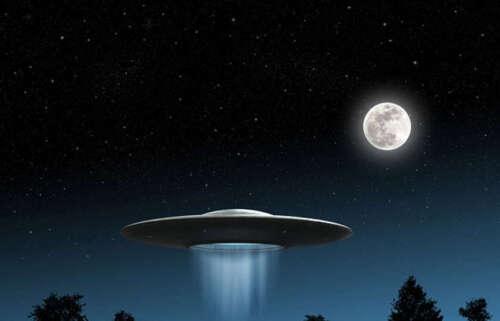 1:220 objeto voador não identificado Disco Voador Nave Espacial Alien-Escala Z Azul Brilha No Escuro