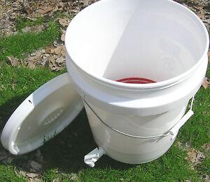 indoor outdoor vermiculture worm composting bucket. Black Bedroom Furniture Sets. Home Design Ideas