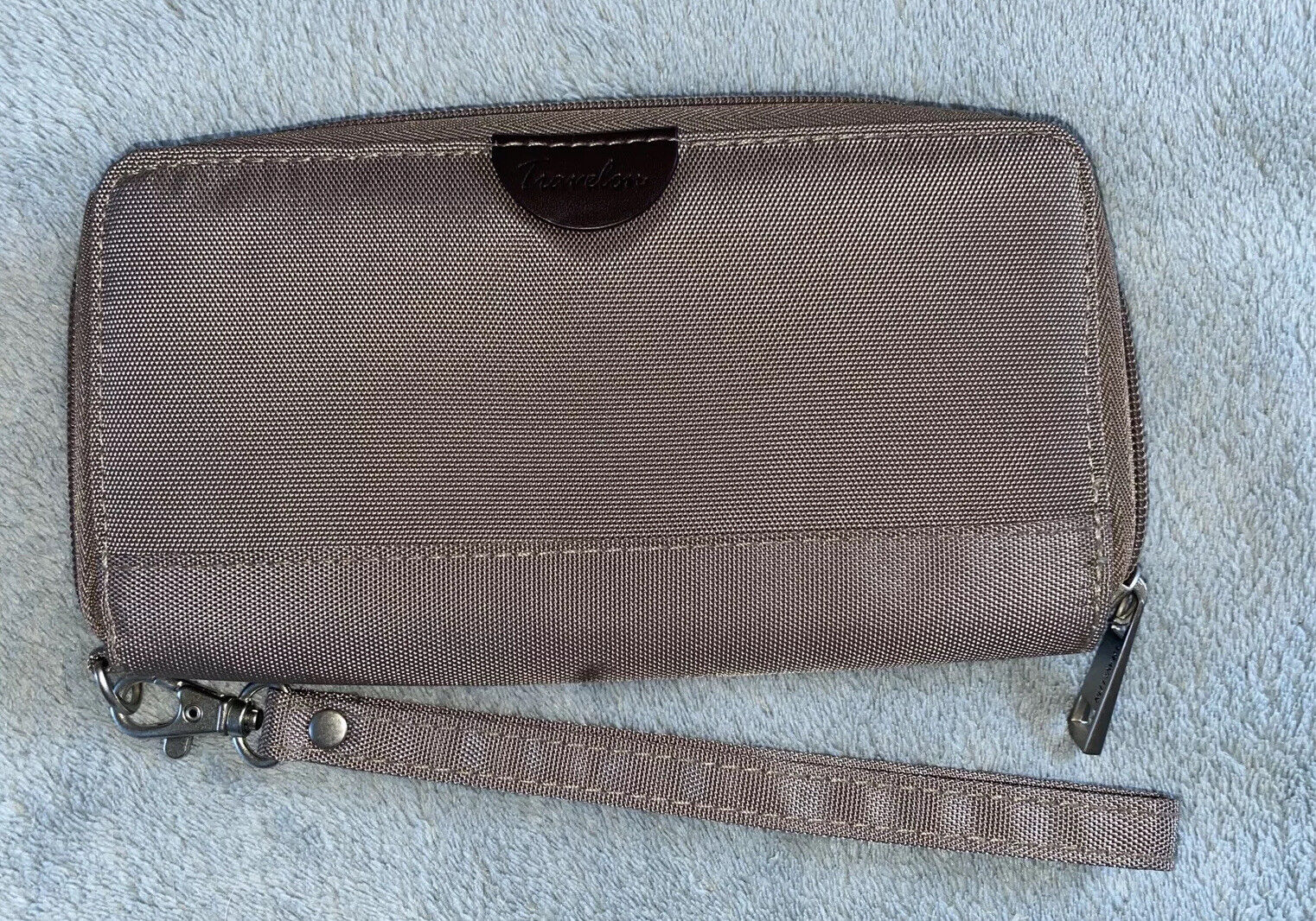 """"""" Travelon """" RFID wallet / Wristlet Brown/turquoise New W/out Tags"""