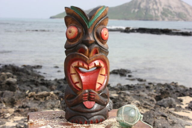 Tiki bar decorating ideas collection on ebay for Tiki decorations home