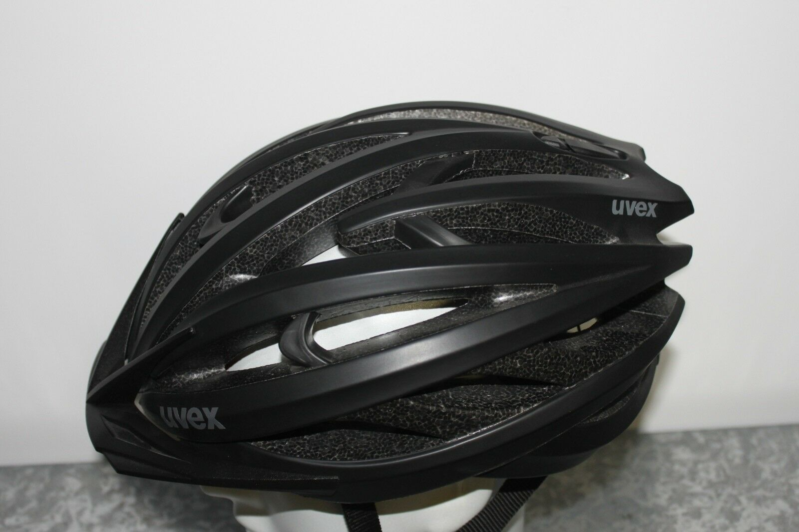 Uvex fp 3 CC - Fahrradhelm 57-61 cm Uvp