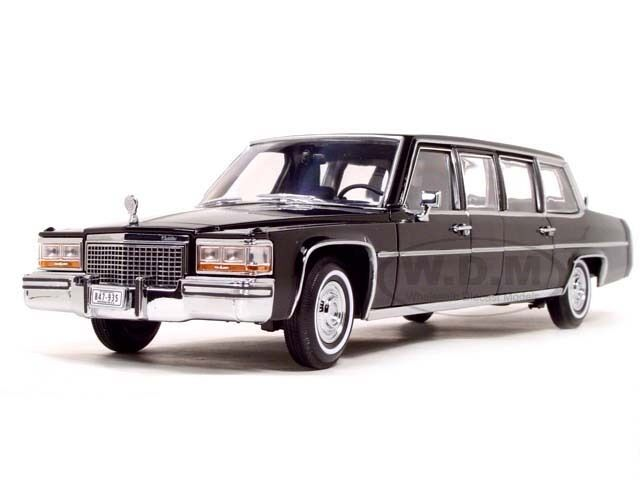 1983 ILLAC FLEETWOOD Presidential Limousine & DRAPEAUX 1 24 ROAD SIGNATURE 24098