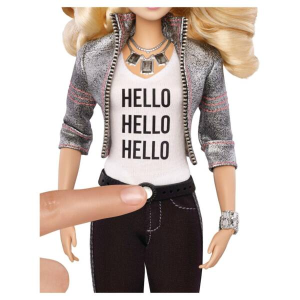 fashion obsessed talking doll thinks - 600×600