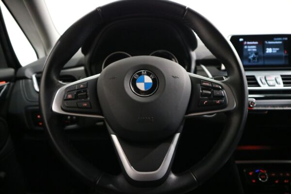 BMW 216i 1,5 Gran Tourer Sport Line 7prs - billede 3