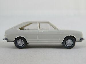 Wiking-48-3d-VW-Passat-berlina-1973-en-gris-blanco-1-87-h0-buen-estado