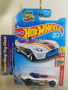 2018 Hot Wheels Treasure Hunt Holiday Racers RRRoadster 5//6