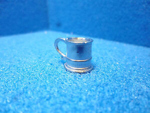 1-12th-scale-Dolls-House-Accessories-Tankard-no-lid-JG27