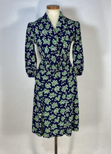 Vintage early 1940's floral silk crepe 2-pc. skir… - image 1
