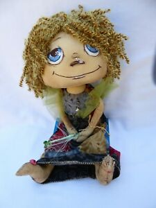 OOAK-Handmade-Cloth-13-034-doll-with-wand-hand-painted-face-yarn-hair-NEW