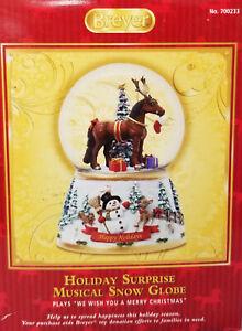 Breyer-700233-Holiday-Surprise-Musical-Snow-Globe-Christmas-Horse-Ornament-NIB
