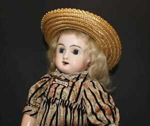 ANTIQUE-FRENCH-BISQUE-BEBE-039-DOLL-by-JUMEAU-with-STRAW-HAT