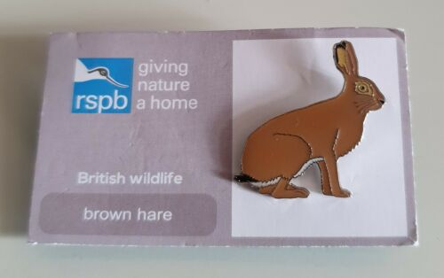 "FREE POST//SAME DAY DISPATCH ! Brand New Official /""RSPB BROWN HARE/"" Pin Badge"