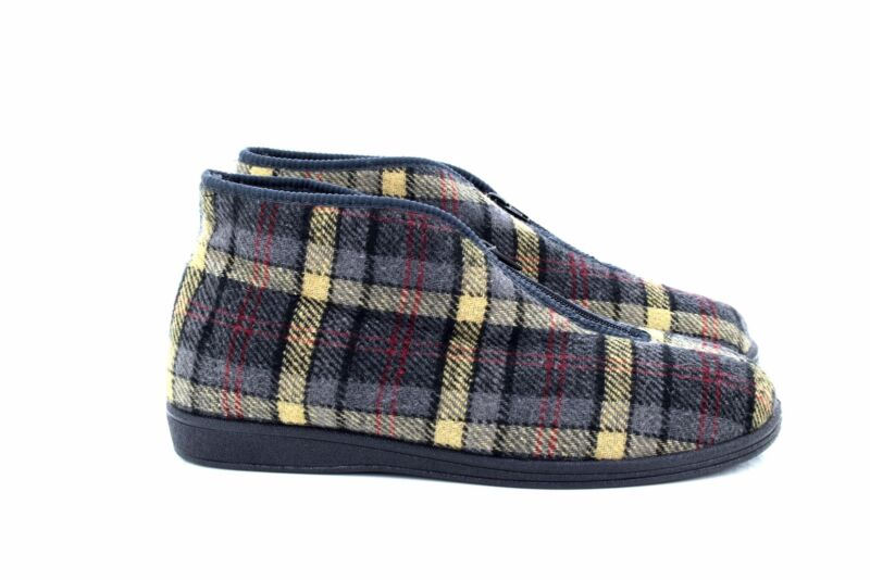 100% Wahr Sleepers Jed Ii Classic Front Zip Checked Thermal Bootee Slippers