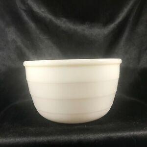"Vintage Milk Glass Ribbed Mixing Bowl 7-1/2"""