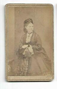 Beautiful-Victorian-era-Woman-Photo-by-H-G-Glen-Belfast-6085