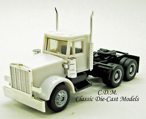 Peterbilt-Tandem-Axle-Day-Cab-White-w-Up-Dated-Grille-1-87-HO-Promotex-15284
