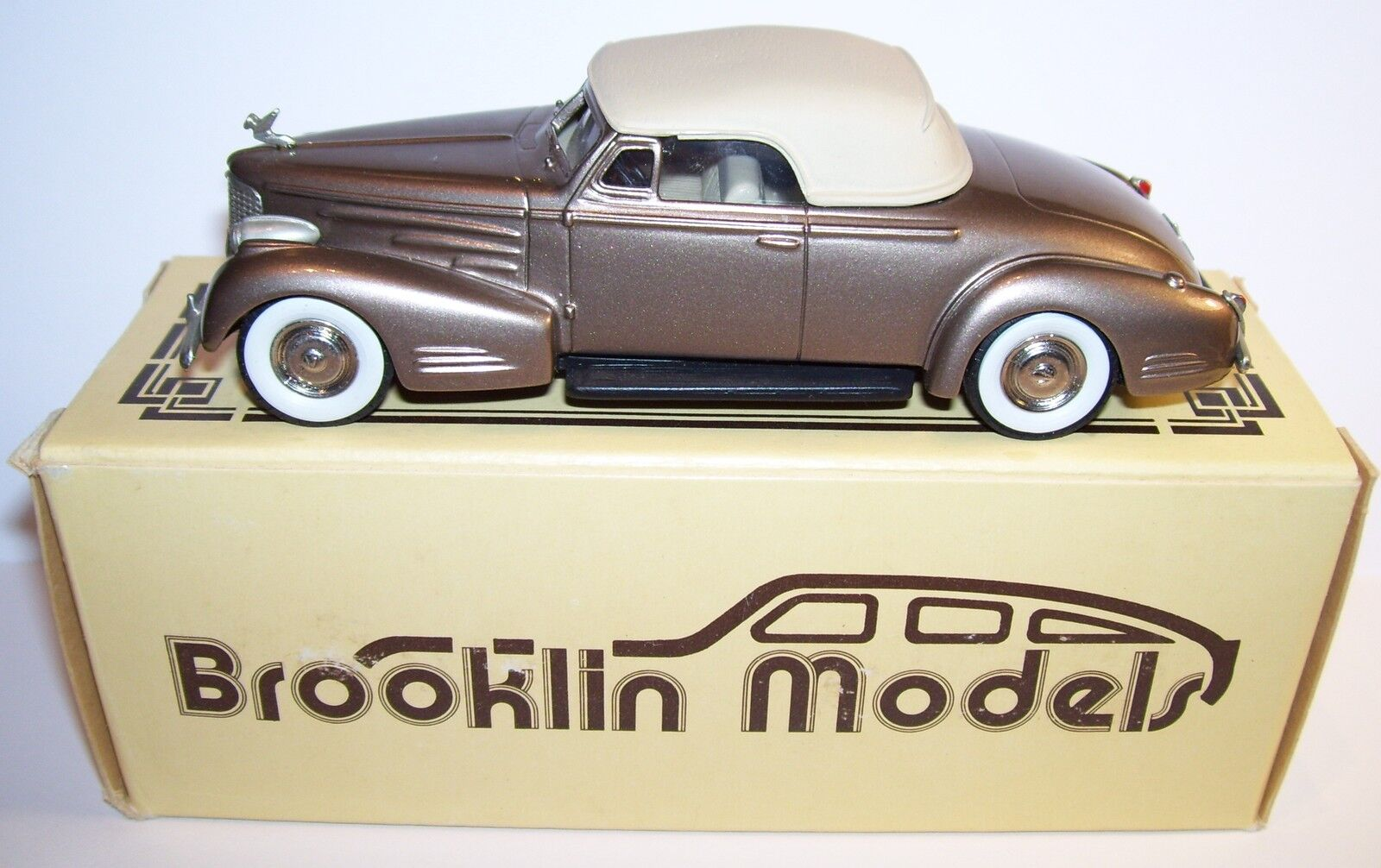 BROOKLIN MODELS CADILLAC V16 CONVERTIBLE COUPE 1940 REF 14 IN ORIGINAL BOX 1 43