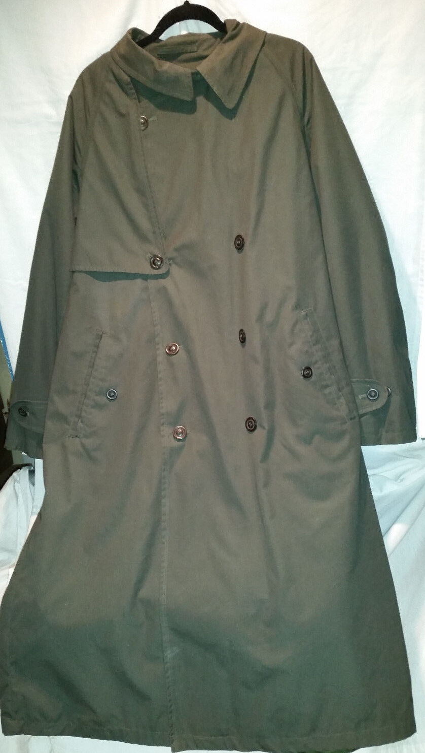 Men's Pierre Cardin Double-Breasted Olive Green Trenchcoat Zipout Liner Size 44R