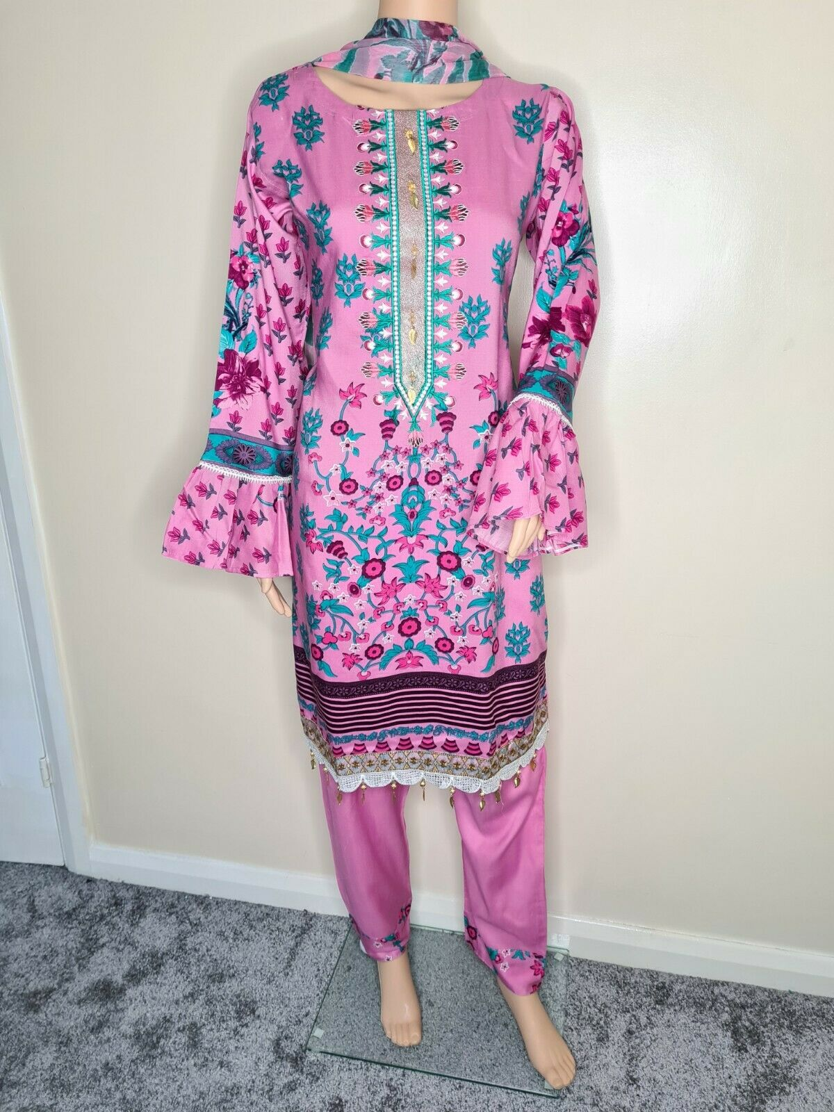 LARGE Sobia Nazir Inspired Linen stitched pakistani trouser suit.