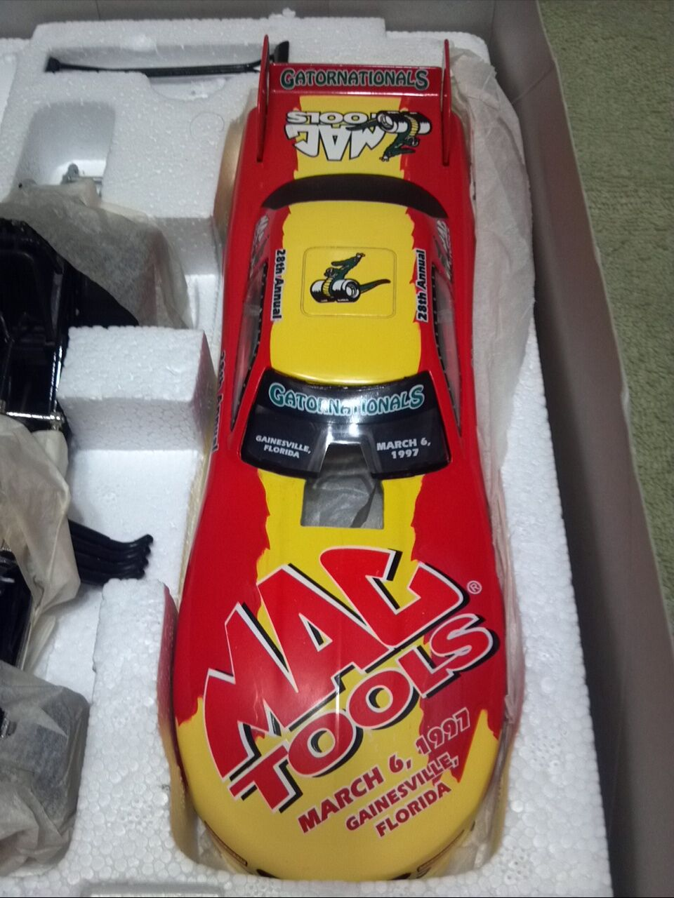1997 Action Gator Nationals MAC Tools Issued NHRA Funny Funny Funny Car 1 24 Diecast  d c47793