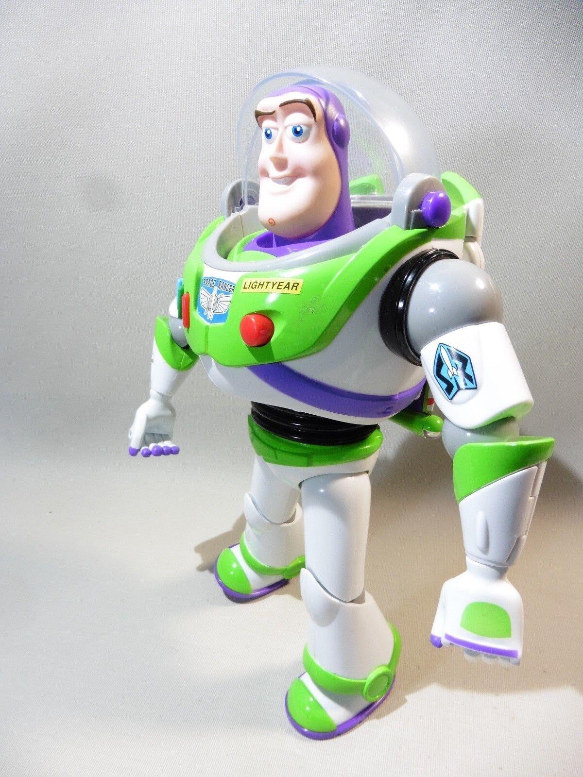 Buzz l eclair parle en anglais anglais anglais   très bon état 879a20