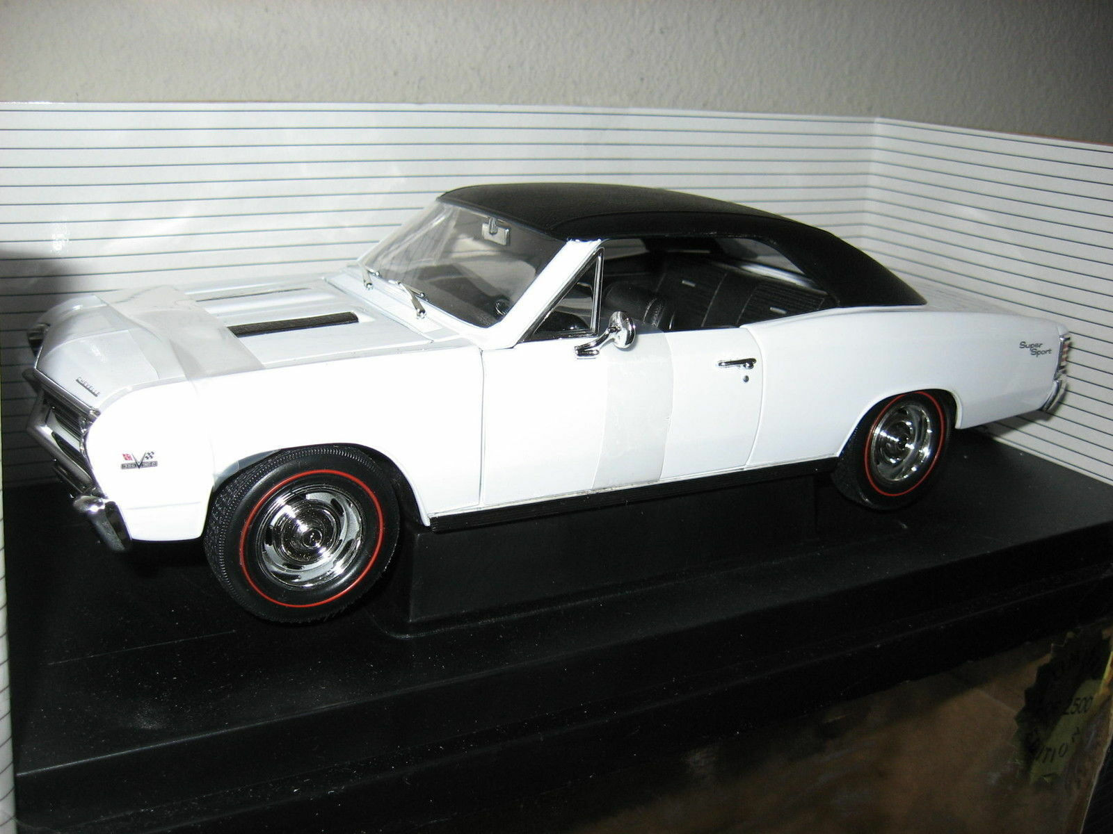 1 18 1967 Chevelle, white, 1 2500, very hard to find ,