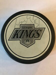 VINTAGE-WAYNE-GRETZKY-SIGNED-LA-KINGS-HOCKEY-PUCK-AUTHENTIC