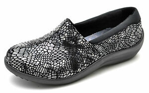 Skechers SAVOR-UPSCALE Black Slip-Ons Women's 6.5 - NEW - 49115