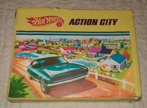 Ultra-Rare-Vintage-Hot-Wheels-Action-City-034-REDLINES-034-Car-Playset-1968