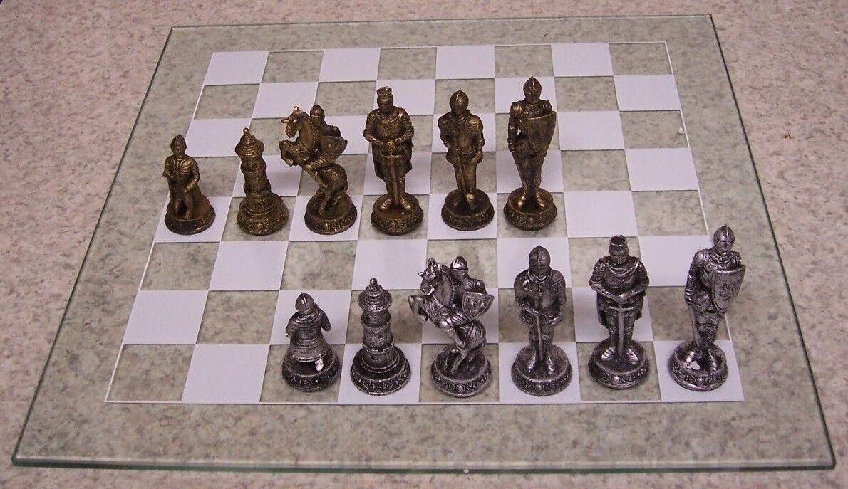 Chess Set de jeu avec  verre Board Medeival Armoruge Chevaliers 3 3 8  rois NEUF  le réseau le plus bas
