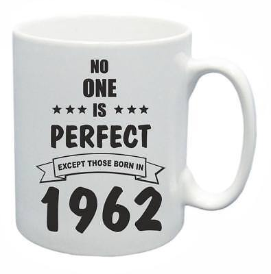 Costruttivo 57th. Regalo Compleanno Novità Tazza Da Tè Nessuno è Perfetto 1962 Coffee Cup-