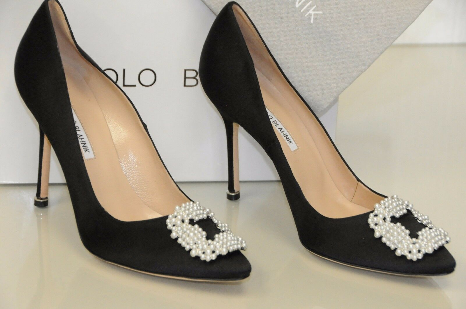 NEW MANOLO BLAHNIK HANGISI Pearl Pearly-Buckle Satin BLACK Pumps 40.5