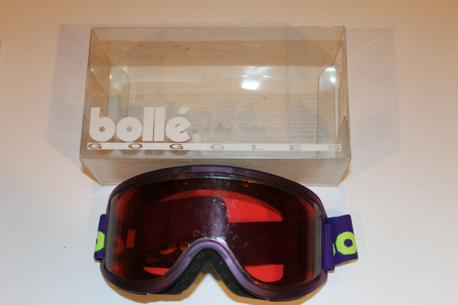 VINTAGE BRAND NEW BOLLE BRAND PURPLE SKI GOOGLES