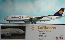 Herpa Wings 1:200 Boeing 747-8 Siegerflieger Fanhansa  D-ABYI  556767