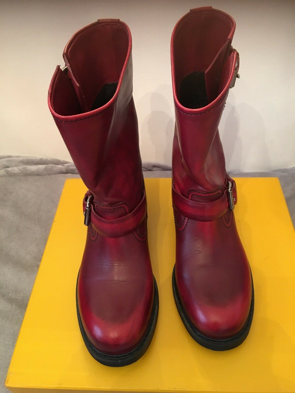 Ladies leather boots size 40
