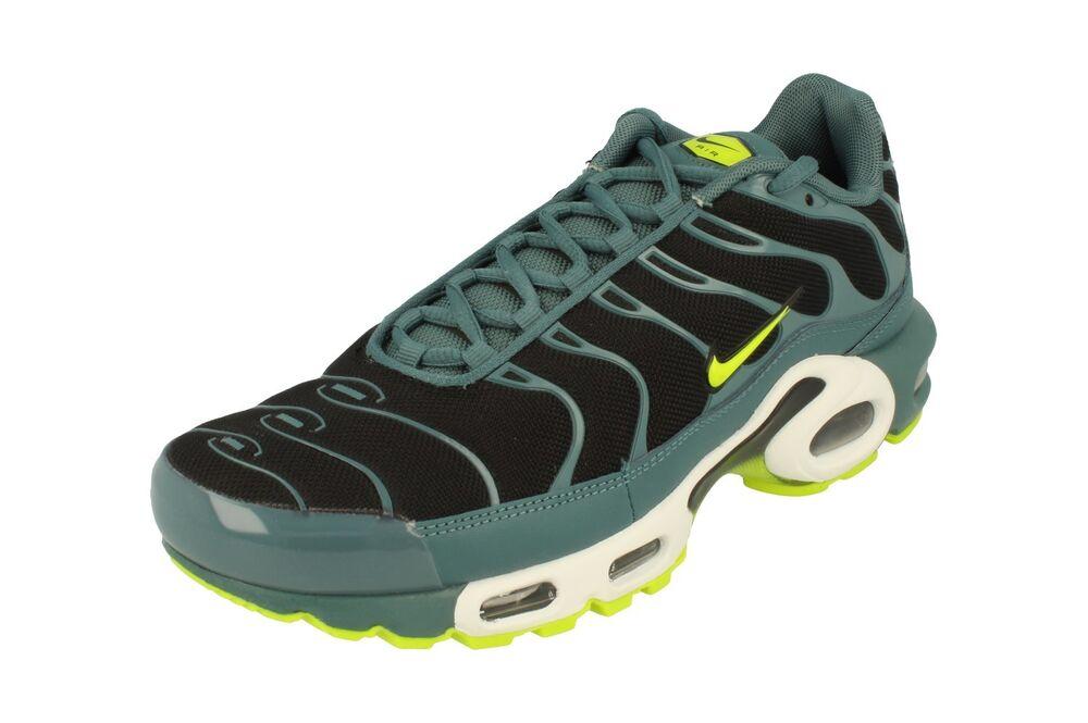 Nike Air Max Plus Chaussure de Course pour Homme 852630 Baskets 014