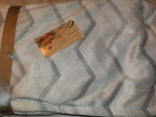 BLANKET BEYOND BABY GRAY HEDGEHOG ZIGZAG SOFT SWADDLE REVERSIBLE NEW UNISEX