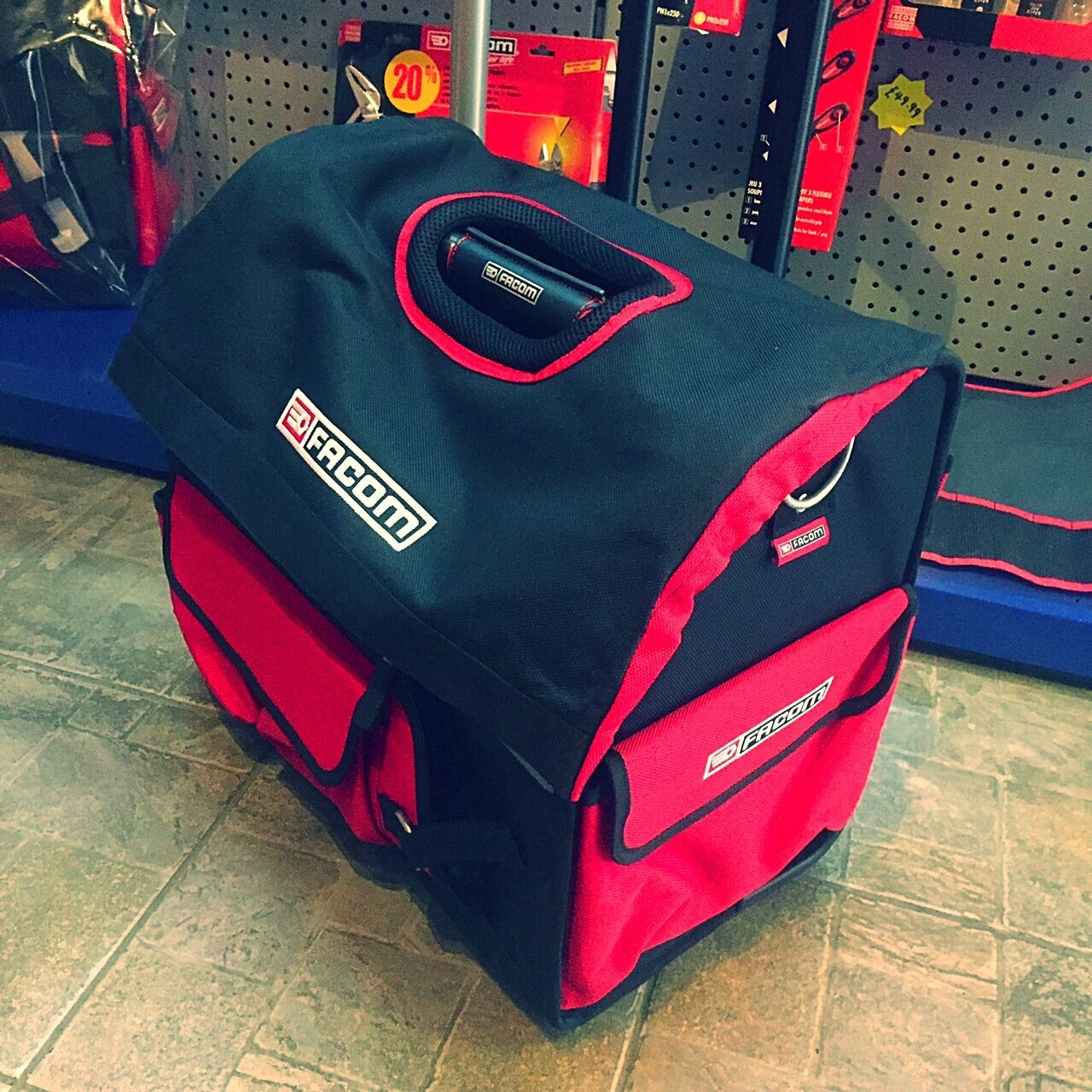 FACOM TOOLS TOTE BAG TROLLEY TOOLBOX MATERIAL MATERIAL MATERIAL IN ROT ON WHEELS eb001b