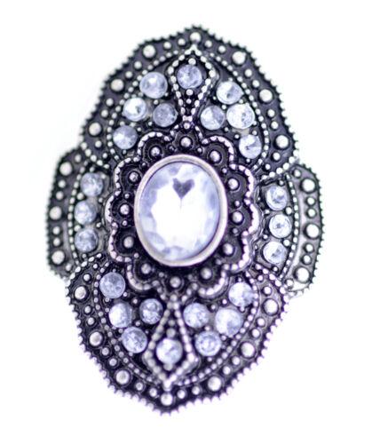 Vintage retro estilo anillo de color claro y plata antigua
