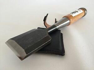 Kakuri-Carpentry-Chisel-Oire-Nomi-Blade-42mm-with-Leather-sack-Made-in-Japan