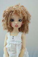 Monique ELLOWYNE Rose Wig Lt Gld Blonde Size 7-8 MSD BJD shown on Missy Wiggs
