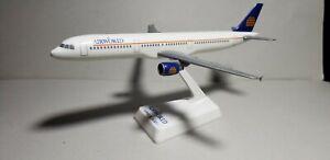 FLIGHT MINATURE AIRWORLD A321 1:200 SCALE PLASTIC SNAPFIT MODEL