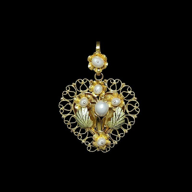 Exquisite romantic yellow gold filigree pearls heart shaped pendant M-F