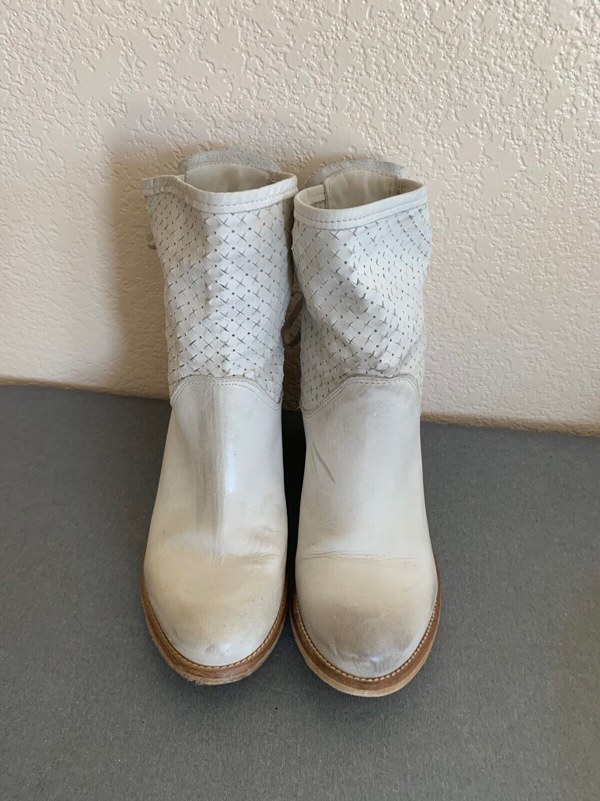 LEATHER BOOTS MADE IN ITALY SIZE 8.5,9