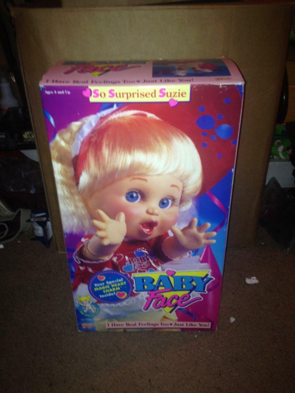 Vintage 1990 Galoob Toys-Cara de Bebé Muñeco (tan sorprendido Suzie)  nuevo en caja