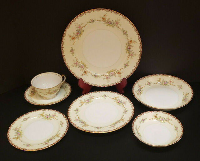 VINTAGE MEITO CHINA 7 PC PLACE SETTING FORAL DINNERWARE MADE JAPAN-HAND PAINTED