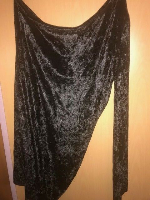 on Sholder Kleid schwarz Größe 46
