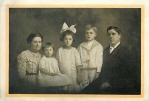 Christmas-Card-The-Parsonage-Family-Zion-Reformed-Church-Allentown-PA-1911