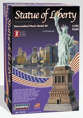 Lindberg 1//225 Scale Statue Of Liberty Model Kit 70314